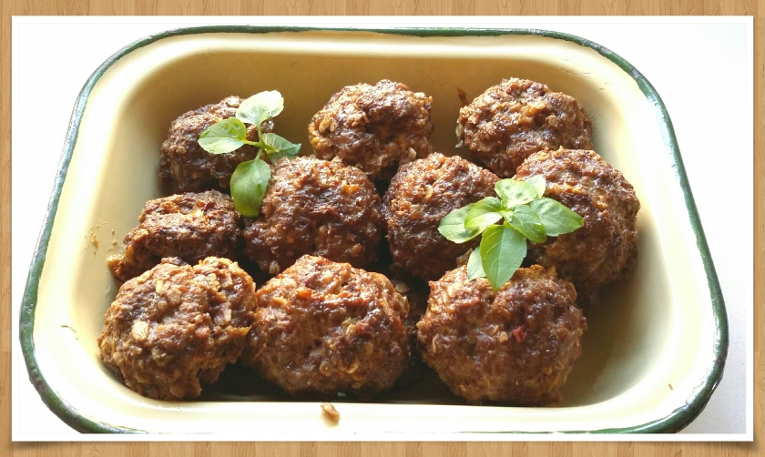 "Easy but tasty meatballs ""frikkadelle"""