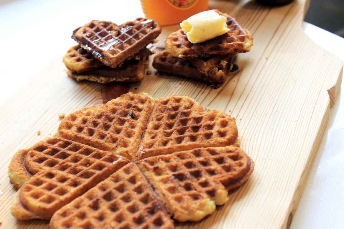 Banana bread waffle_plain_syrup_butter