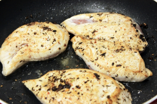 Pan fry_seal chicken_olive oil_garlic_herbs_salt